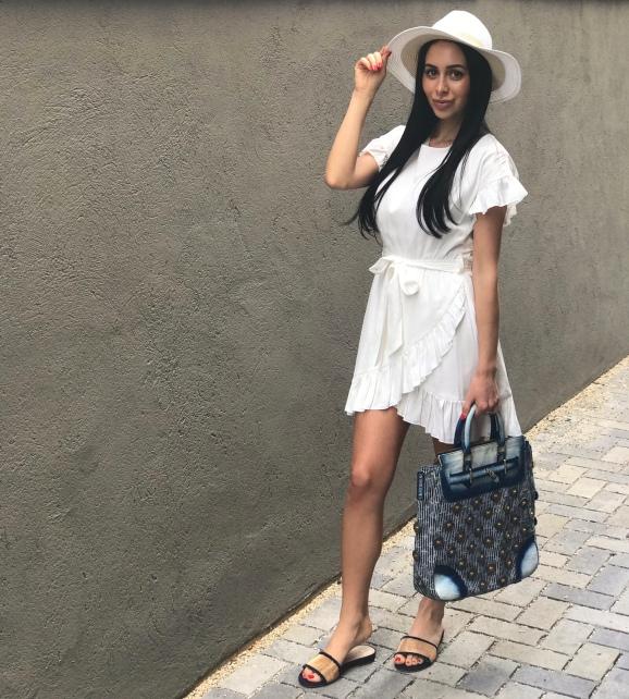 Pella Moda